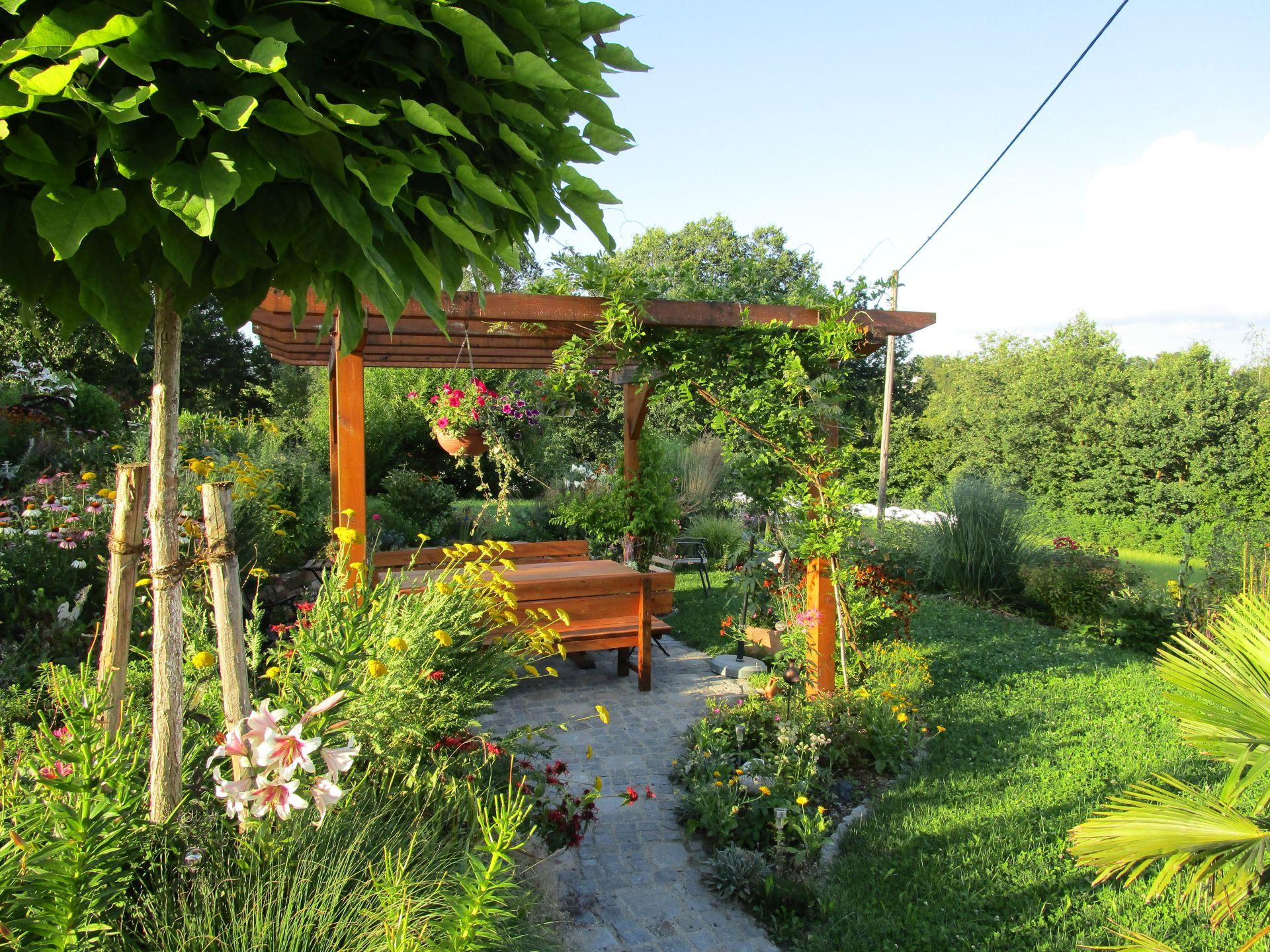 Galerie eolas gartengestaltung - Gartengestaltung pergola ...