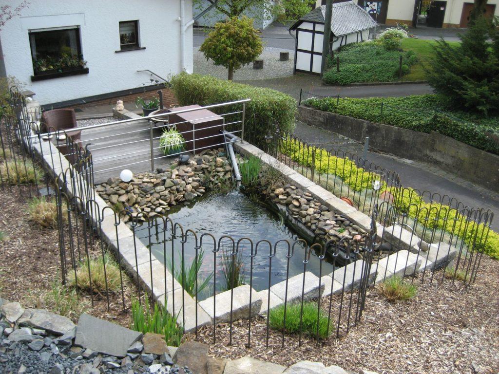 Gartengestaltung Sichtschutz Stein Modell Sourcecrave