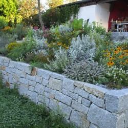 Natursteinmauer Uhrfahr