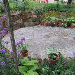 Gartengestaltung mit gebrauchten Naturstein