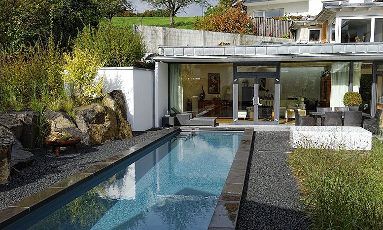 Moderne gartenkonzepte eolas garten for Gartengestaltung mit pool
