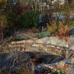 Feuerstelle im Schaugarten der Eolas Gartengestaltung